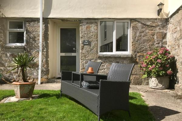 the nook, higher trewithen holiday cottages